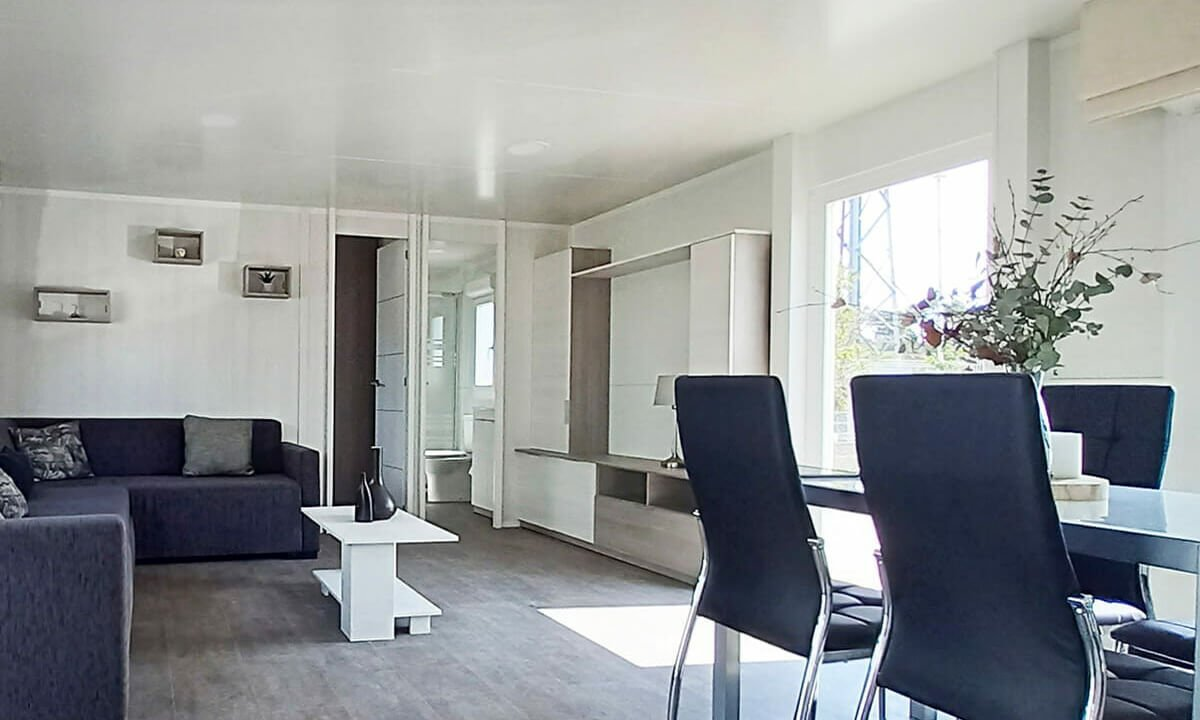 00B-Lounge-Diner-e1628777253691